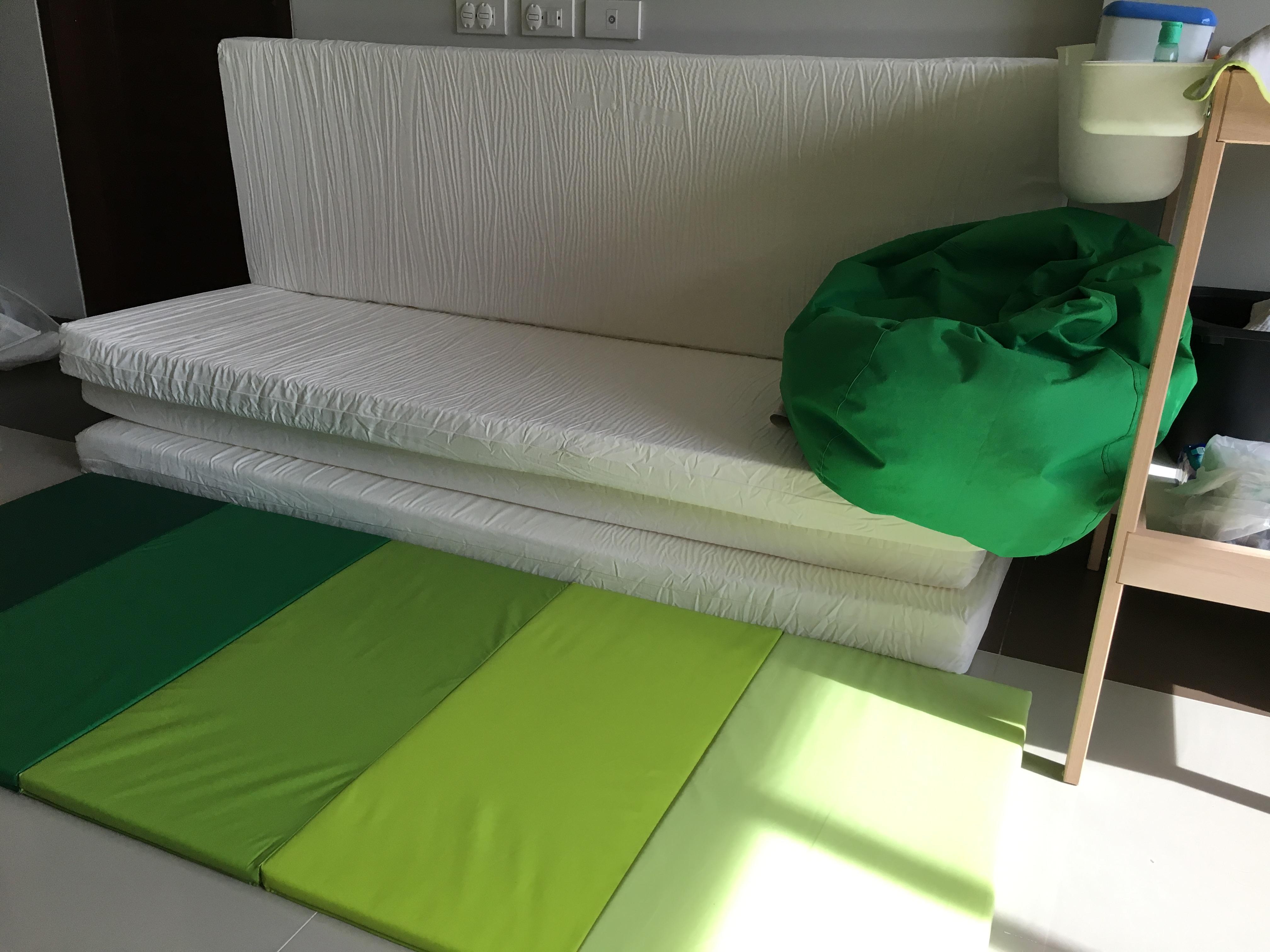 Ikea のマットを使ったキッズルームバンコク Emiio